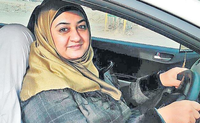 Kashmir Female Driver Car Rally Over Women Empowerment - Sakshi