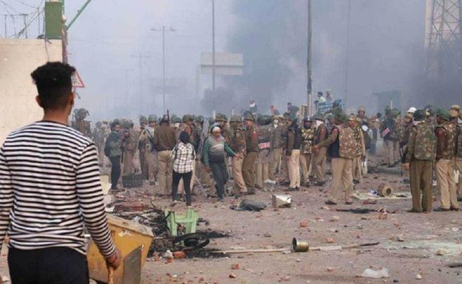 Delhi Riots: Police Filed 17 Thousand Pages Charge Sheet In September - Sakshi