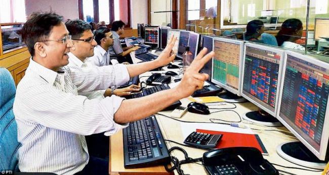 Sensex @40,000-7 months high- IT, Pharma up - Sakshi