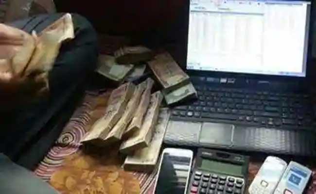 Police Arrested Cricket Betting Gangs In Hyderabad - Sakshi