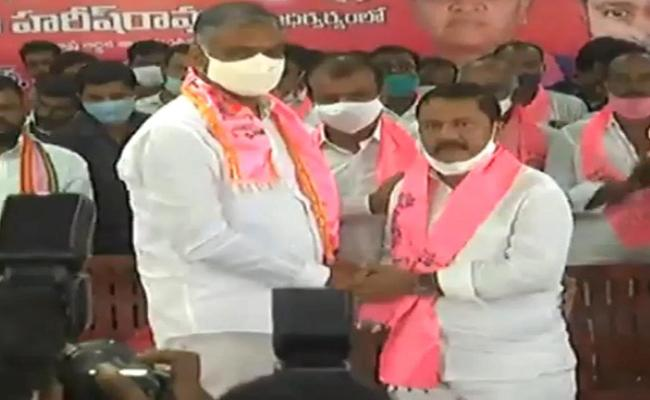 Dubbaka By Election Big Blow To Congress Party - Sakshi