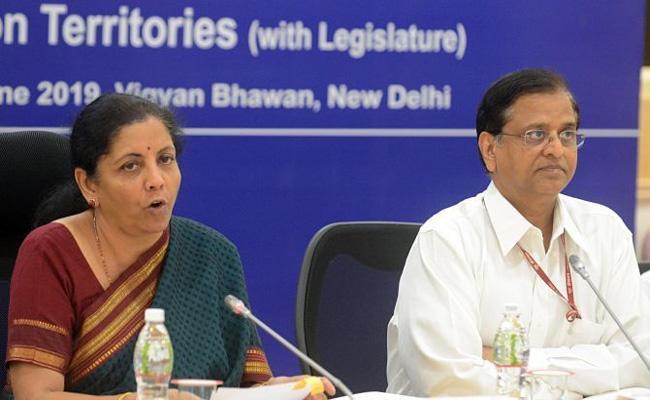 Former Finance Secretary Subhash Garg Alleges Nirmala Sitharaman - Sakshi