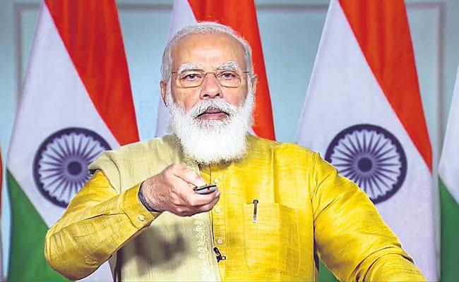 Celebrating Diwali with local goods will boost economy Says PM Narendra Modi - Sakshi