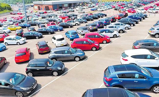 Passenger vehicle retail sales dip 9 per cent - Sakshi