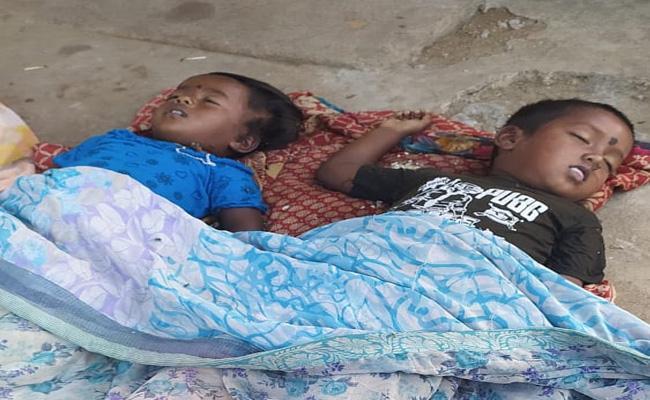 Two Kids Died Under Suspiciously In Nagarkurnool Mahabubnagar - Sakshi