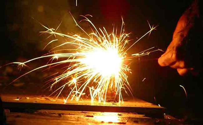 AP Government Orders As Per NGT Directives About Diwali Celebrations - Sakshi