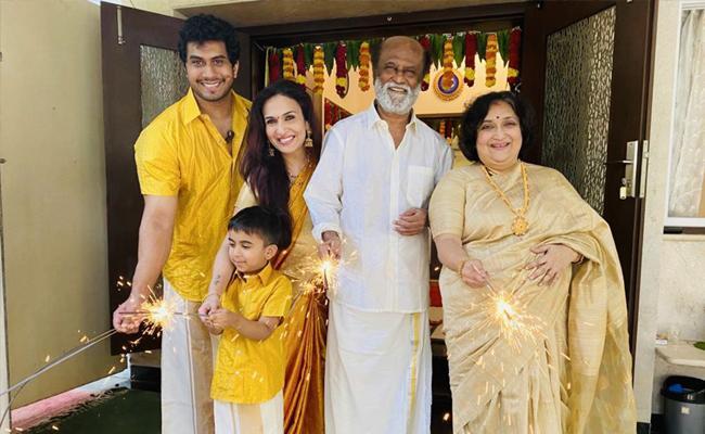 Rajinikanth Celebrates Diwali Festival With His Family Members - Sakshi