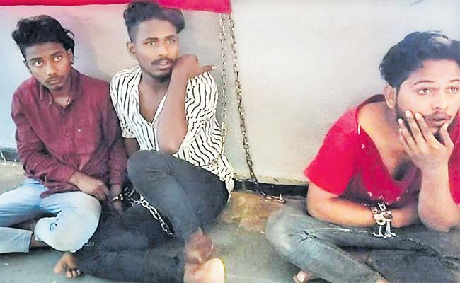Person Looted Police Jeep In Miryalaguda - Sakshi