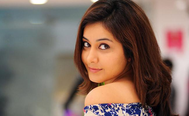 Raashi Khanna Is Ready To Date Someone With Whom She Falls In Love - Sakshi