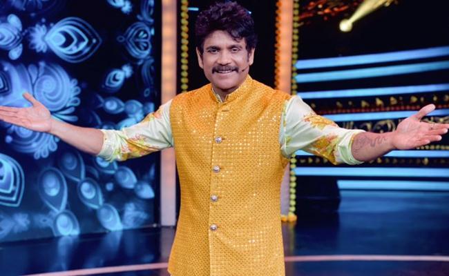 Tollywood Celebrities Diwali Wishes To Fans - Sakshi