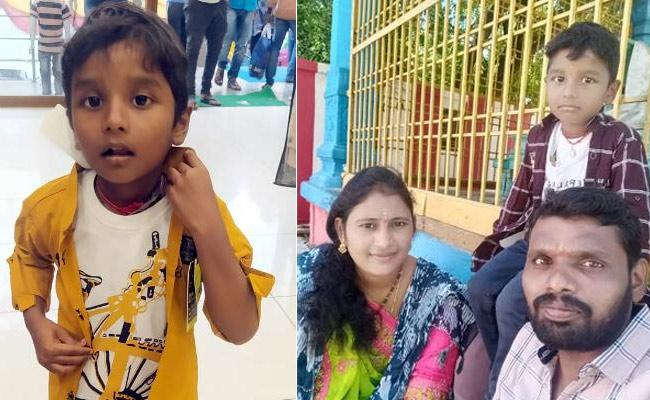 Five Year Boy Kidnapped At Suryapet Police Rescue The Child - Sakshi
