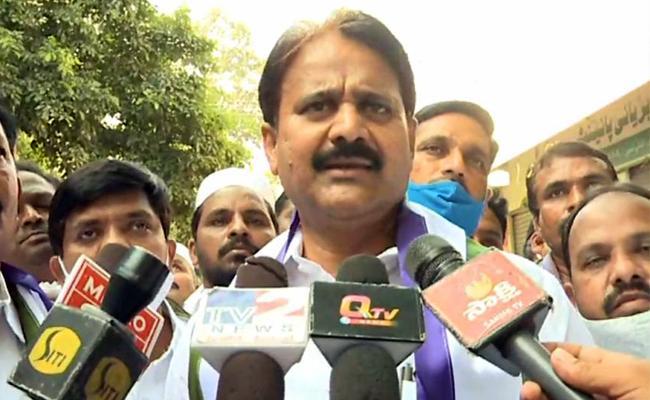 Mopidevi Venkataramana Slams On Chandrababu In Guntur - Sakshi