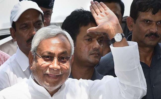 Nitish Kumar Not Contest In Assembly Elections - Sakshi