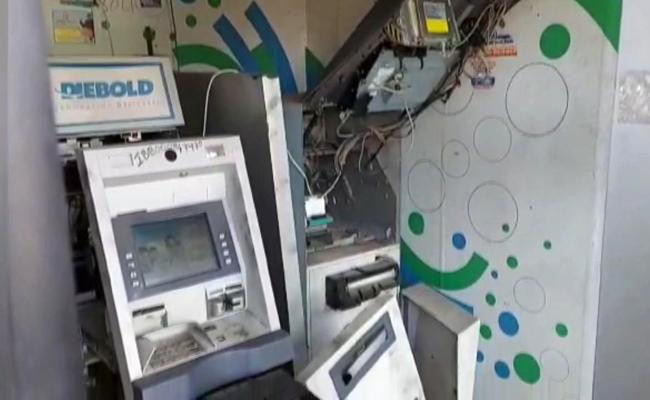 Vanasthalipuram SBI ATM Theft By Thieves In Hyderabad - Sakshi