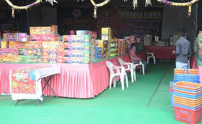 CAIT Diwali Sales Cross Rs 72000 Crore Huge Loss For China Amid Boycott - Sakshi