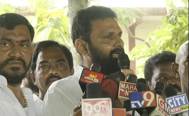 Kodali Nani Slams Chandrababu Naidu Over TIDCO Houses - Sakshi