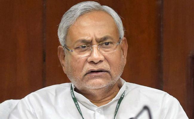 BJP leaders grabbed my feet RJD Tweet - Sakshi