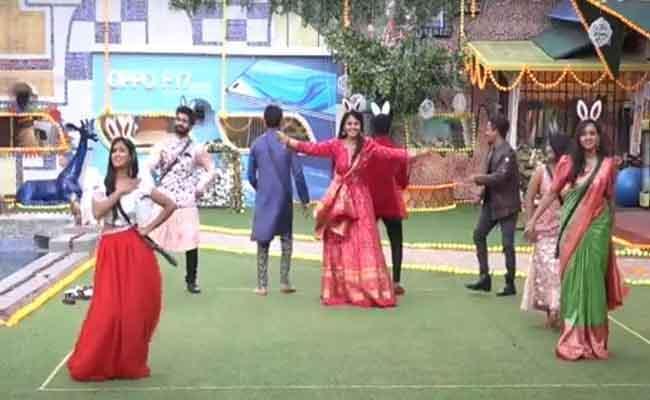 Bigg Boss 4 Telugu: Contestants Going To Meet Their Family Members - Sakshi