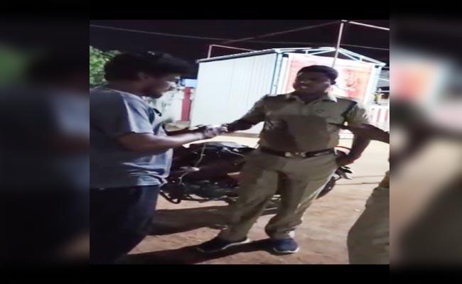 Nagar Kurnool: Police Constable Misbehaving With Youth - Sakshi