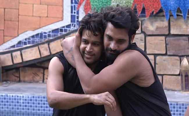 Bigg Boss 4 Telugu: Contestants Family Members Spread Love In House - Sakshi