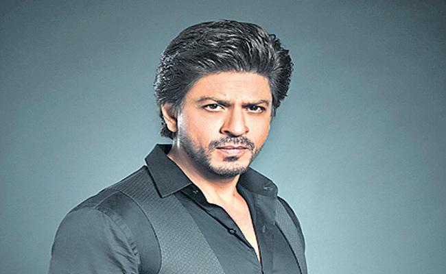 Shah Rukh Khan to start shooting Pathan with Deepika Padukone - Sakshi
