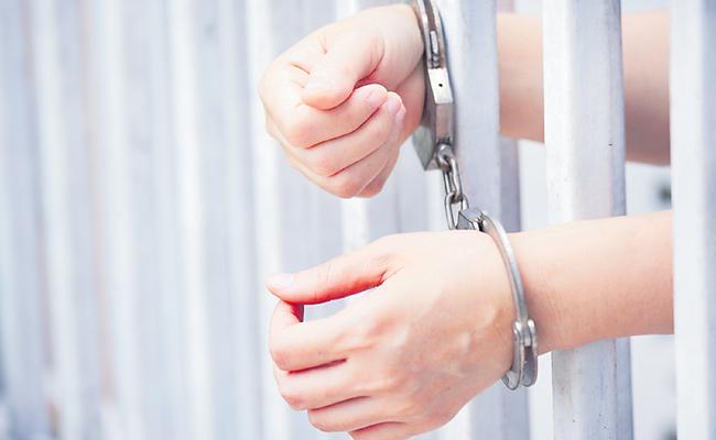 Journalist Get 10 Years Jail For Corona Reporting - Sakshi