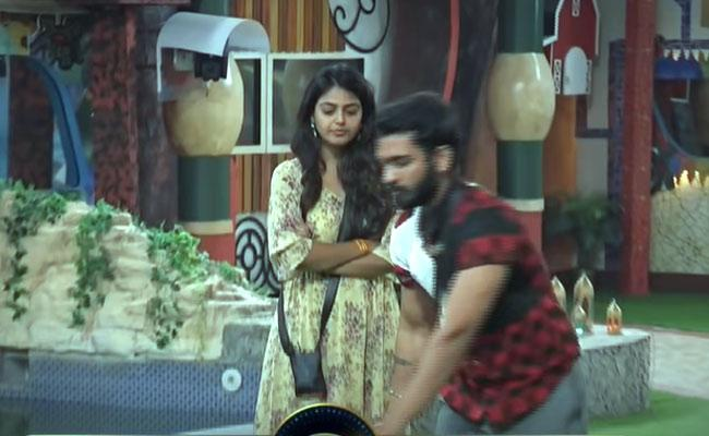 Bigg Boss 4 Telugu : War Of Words Between Abhijit And Amma Rajasekhar - Sakshi