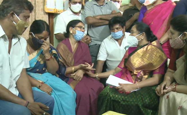 Minister Sucharitha Visit Varalakshmi House - Sakshi
