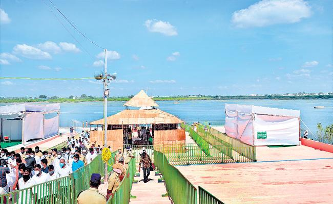 Tungabhadra Pushkars Going To Start On Today Afternoon By YS Jagan - Sakshi