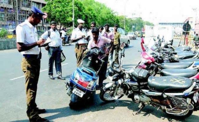 8 Percent Violation Of Traffic Rules Reduced In Andhra Pradesh - Sakshi