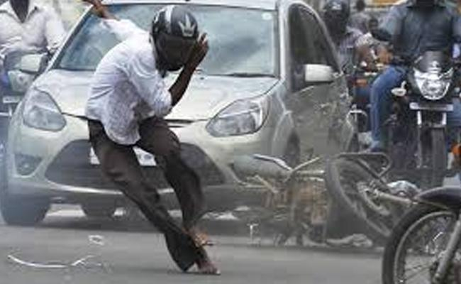 Road Accidents Reduced In Andhra Pradesh - Sakshi