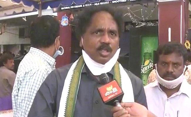 Fishermen Are Indebted To CM Jagan: Vasupalli Ganesh - Sakshi