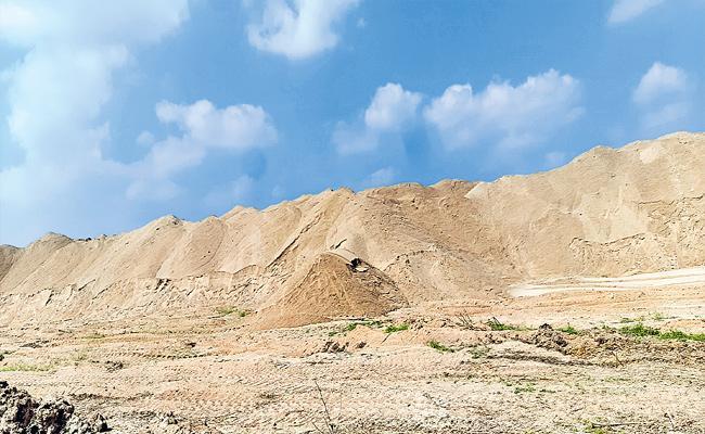 Special Story Of Most Sand Reaches In Jayashankar In Telangana - Sakshi