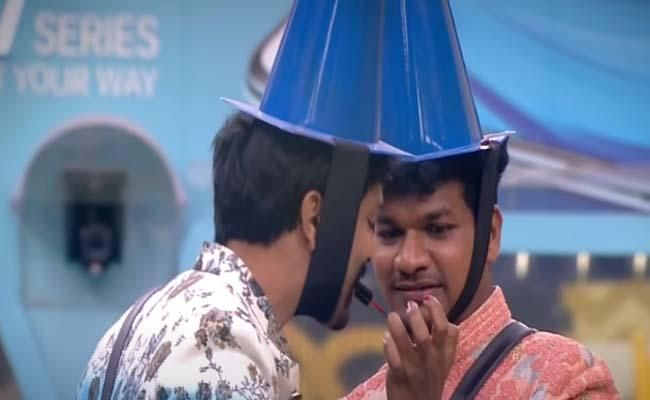 Bigg Boss 4 Telugu: Avinash Ultimate Punch To Sohel - Sakshi