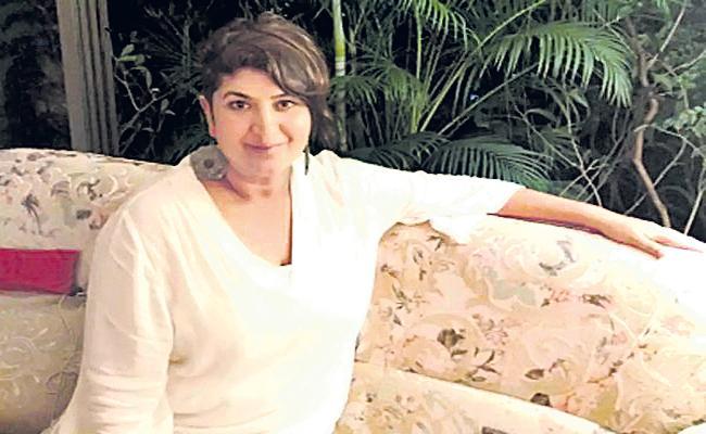 Bollywood Producer Chitra Subramaniyan Distributing  - Sakshi