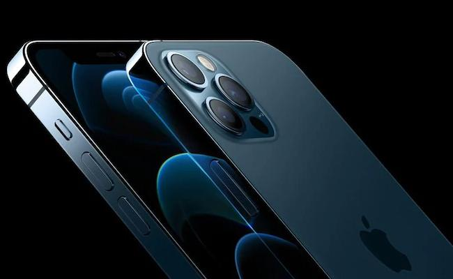 iPhone 12 Pro Max Receives Highest Ever Rating From DisplayMate - Sakshi