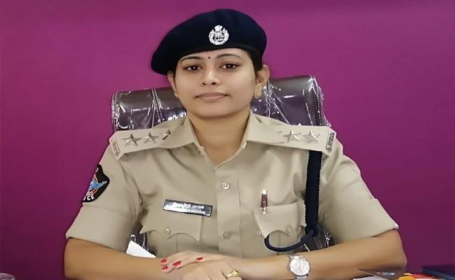 Palakonda DSP Mallampati Sravani Success Story - Sakshi