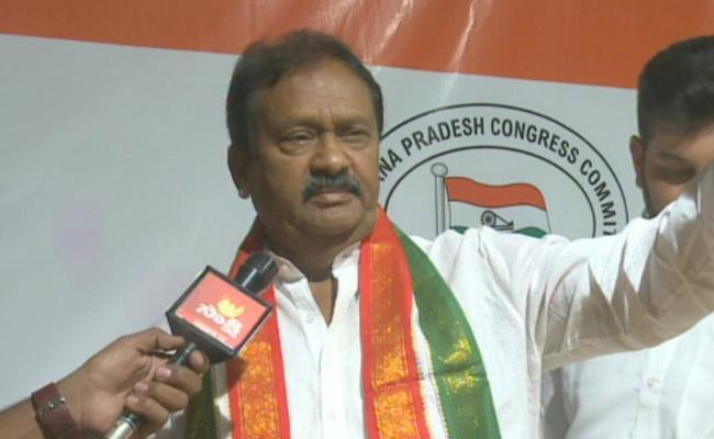 Shabbir Ali Slams CM KCR And KTR Over 2016 Election Promises In Hyderabad - Sakshi