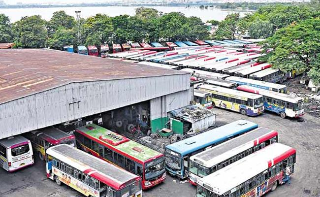 Today onwards fifty percent buses  run in Greater Hyderabad - Sakshi