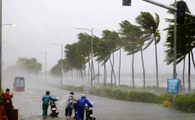 IMD Says Nivar Becomes Severe Cyclone Across AP And Chennai - Sakshi
