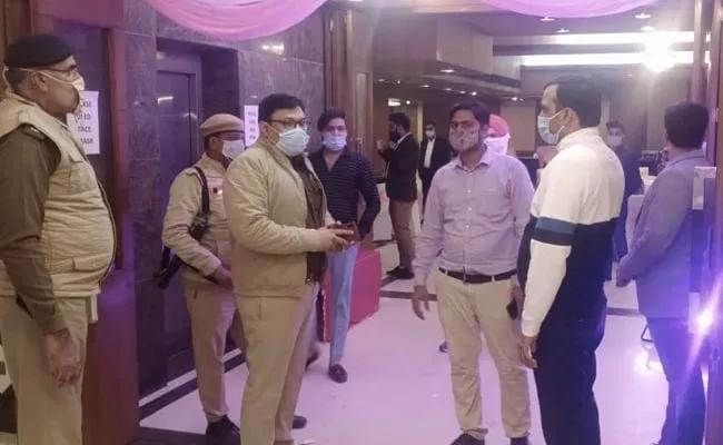 Police In Weddings - Sakshi