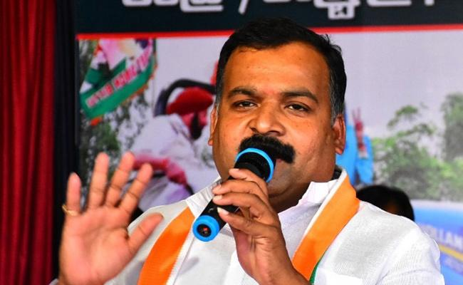 Congress Leader Manickam Tagore slams On TRS And BJP In Hyderabad - Sakshi
