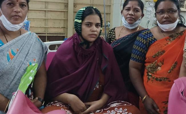 Women Harassed By Family For Give Birth To Girl In Anantapur - Sakshi