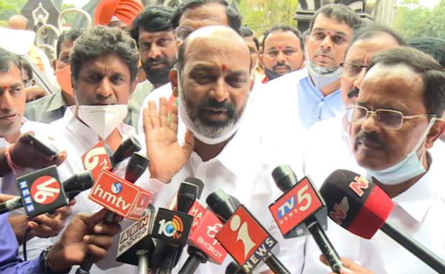 Bandi Sanjay Fires on KCR And TDP Leaders - Sakshi