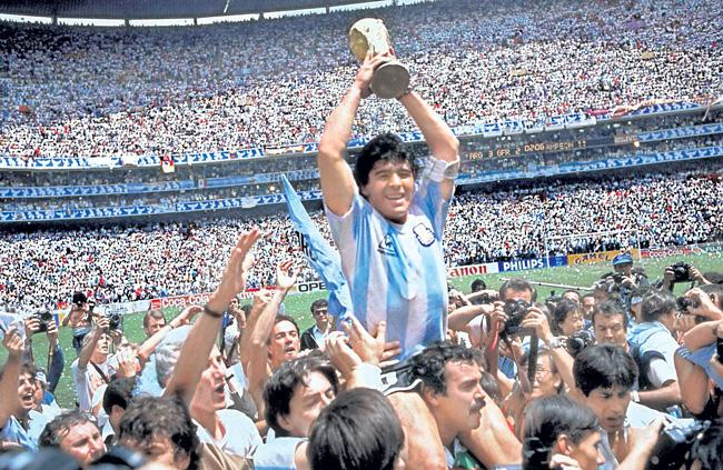 Argentina Football Legend Diego Maradona Died At The Age 60 - Sakshi