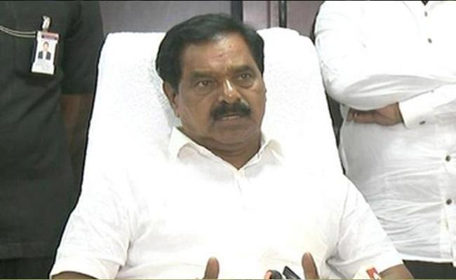 AP Deputy CM Narayana Swamy Missed Accident In Short - Sakshi