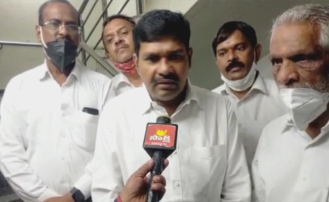 TRS Leaders Complaint To SEC Over National BC Commission Member - Sakshi
