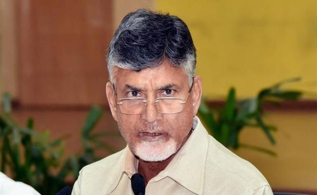 Chandrababu Govt DA Arrears Of Rs 2400 Crore Annually - Sakshi