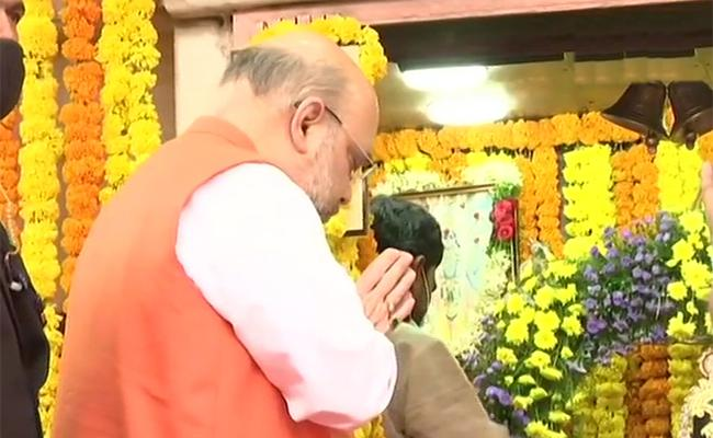 GHMC Elections 2220: Amit Shah Reached Hyderabad - Sakshi
