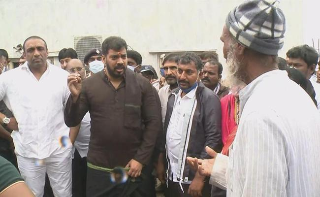 Minister Anil Kumar And Goutham Reddy Visits Flood Area - Sakshi